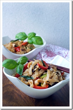 San-J Stir Fry Noodles with Peanut Sauce